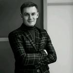 Ведущий Алексей Поляков