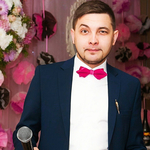 Ведущий Евгений Хрусталёв
