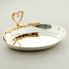 Блюдце для колец овал с сердцем и хрусталиками Сваровски Свадебные аксессуары