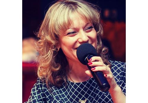 Ведущая Ольга Стрелкова