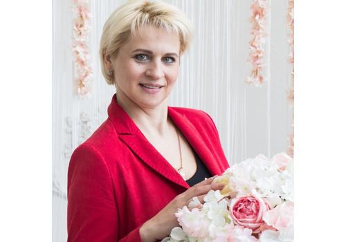 Ведущая Светлана Денисова