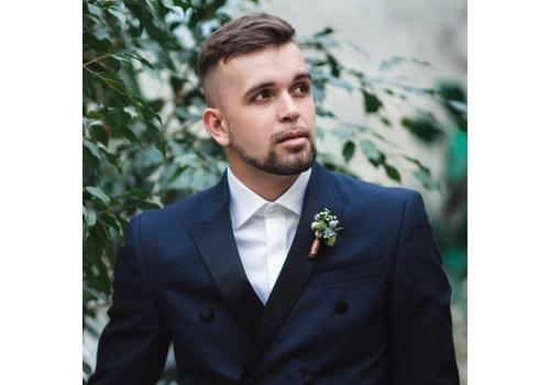 Ведущий Дмитрий Ястребов
